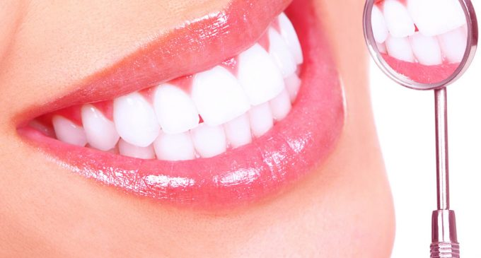 How to whiten your teeth through Idol White Teeth Whitening Pen
