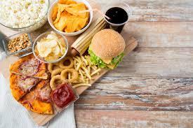 Nourriture pour la malbouffe &quot;width =&quot; 275 &quot;height =&quot; 183 &quot;/&gt; </p> <p> Apaiser vos papilles gustatives peut sembler savourer, mais vous devez comprendre les aliments riches en calories et en sucre peut effectivement rendre votre cerveau lent. Les calories vides peuvent ouvrir la voie à de nombreuses maladies, y compris le diabète et les maladies cardio-vasculaires. </p> <h3> Stress </h3> <p> <img class=