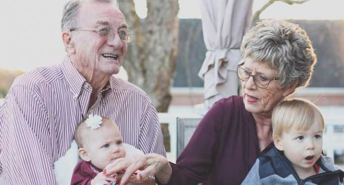 12 Tips to Manage Your Work Life with Elderly Parent at Home