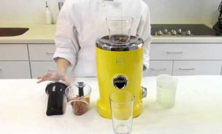 How to Make Almond Milk Using a Juicer