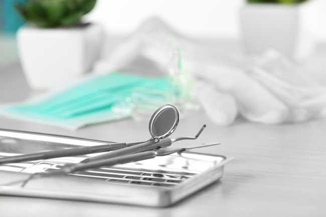 VELoscope-outil &quot;width =&quot; 650 &quot;height =&quot; 433 &quot;/&gt;</a></p><p>Il s&#39;agit d&#39;un outil spécial utilisé en dentisterie pour examiner la bouche d&#39;un patient afin d&#39;identifier toute anomalie. Cet outil s&#39;allume et aide le dentiste à avoir un regard clair lorsqu&#39;il fait briller une lumière dans la bouche du patient.</p><div style=